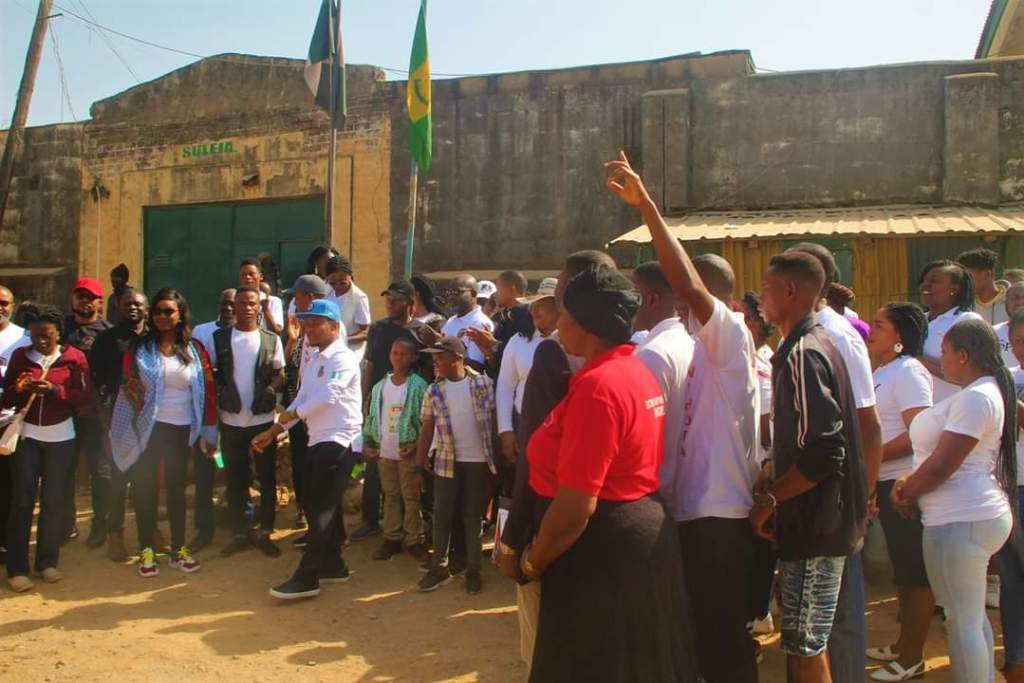 Evangelist Kufre Abasi Eyo and WIHOFA Family visit Suleja Prisons (Photo)